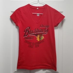 Blackhawks basic top